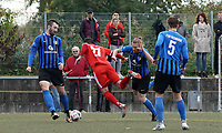 Foul an Lukas Görlich (Büttelborn) führt zum Elfmeter und 2:2 - Büttelborn 03.10.2019: SKV Büttelborn vs. FSG Riedrode, Gruppenliga Darmstadt
