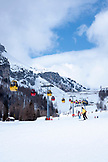 ITALY, Alta Badia/Dolomites, Colfosco Gondola with skiers