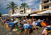 Spanien, Mallorca, auf dem Passeig Maritim in Port d' Alcudia