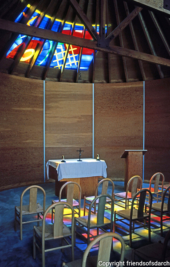 Frank Gehry: Loyola Law School. Chapel Interior.  Photo '86.