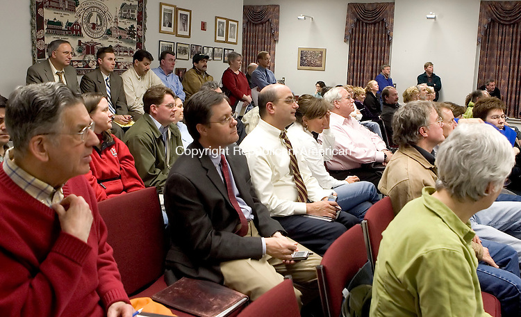 CHESHIRE, CT--09 APRIL 2007--040907JS01-More than 100 Cheshire residents filled City Hall on Monday for the Planning and Zoning Commission meeting on the mall being proposed by W/S Development Assoicates, LLC.<br /> Jim Shannon / Republican-American