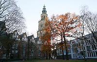 Nederland  Groningen 2016. Tuin bij de Martinikerk. Foto Berlinda van Dam / Hollandse Hoogte