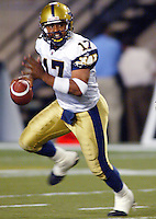 Khari Jones Winnipeg Blue Bombers quarterback 2003. Copyright photograph Scott Grant