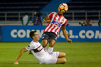 BARRANQUIILLA - COLOMBIA, 24-07-2018: German Gutierrez Henao (Der) del Atlético Junior de Colombia disputa el balón con Gonzalo Di Renzo (Izq) jugador de Lanús de Argentina durante partido de la segunda fase, llave 13, por la Copa CONMEBOL Sudamericana 2018 jugado en el estadio Metropolitano Roberto Meléndez de la ciudad de Barranquilla. / German Gutierrez Henao (R) player of Atlético Junior of Colombia struggles the ball with Gonzalo Di Renzo (L) player of Lanus of Argentina during match of the second phase, key 13, for the Copa CONMEBOL Sudamericana 2018played at Metropolitano Roberto Melendez stadium in Barranquilla city.  Photo: VizzorImage / Alfonso Cervantes / Cont