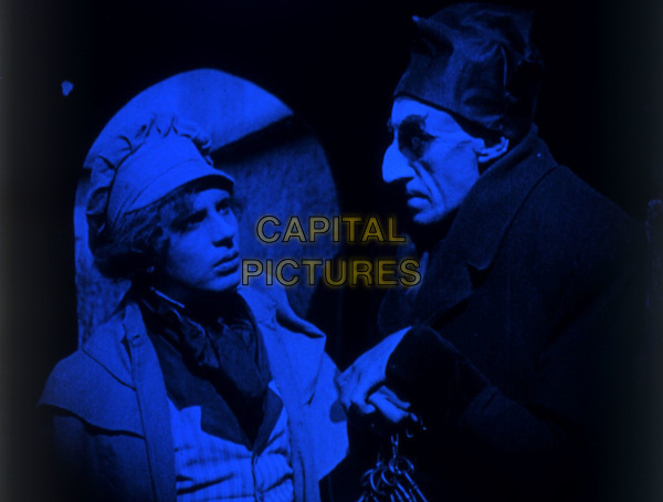 SCENE.in Nosferatu, eine Symphonie des Grauens.*Filmstill - Editorial Use Only*.CAP/PLF.Supplied by Capital Pictures.