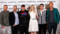 "Da sinistra: il regista statunitense Marc Webb, i produttori Matt Tolmach ed Avi Arad, l'attrice statunitense Emma Stone,  l'attore statunitense Andrew Garfield, l'attore britannico Rhys Ifans posano durante il photocall per la presentazione del film ""The Amazing Spider-Man"", a Roma, 22 giugno 2012..From left: U.S. director Marc Webb, producers  Matt Tolmach and Avi Arad, U.S. actress Emma Stone, U.S. actor Andrew Garfield and British actor Rhys Ifans during the photocall for the presentation of the movie ""The Amazing Spider-Man"" in Rome, 22 june 2012..UPDATE IMAGES PRESS/Isabella Bonotto"