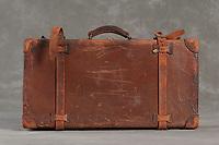 Willard Suitcases / Delmar H / ©2014 Jon Crispin