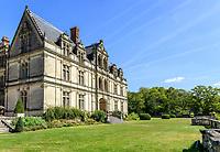 France, Indre-et-Loire (37), Montlouis-sur-Loire, jardins du château de la Bourdaisière, la façade sud