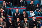 Stockholm 2014-02-24 Ishockey Hockeyallsvenskan Djurg&aring;rdens IF - S&ouml;dert&auml;lje SK :  <br /> Sveriges statsminister Fredrik Reinfeldt appl&aring;derar p&aring; l&auml;ktaren under matchen<br /> (Foto: Kenta J&ouml;nsson) Nyckelord: supporter fans publik supporters