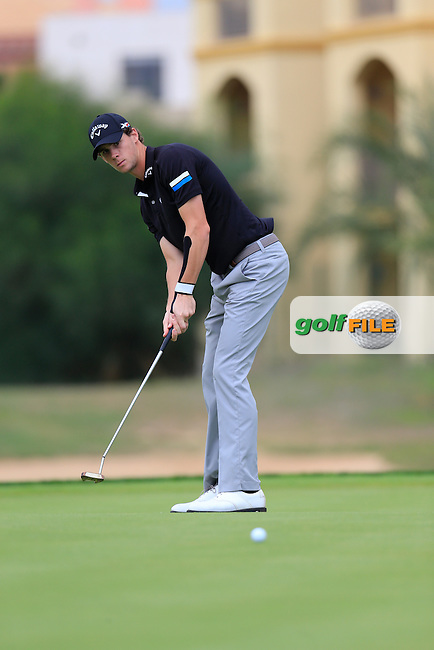 Thomas PIETERS (BEL) putts on the 8th green during Saturday's Round 3 of the Portugal Masters 2015 held at the Oceanico Victoria Golf Course, Vilamoura Algarve, Portugal. 15-18th October 2015.<br /> Picture: Eoin Clarke | Golffile<br /> <br /> <br /> <br /> All photos usage must carry mandatory copyright credit (&copy; Golffile | Eoin Clarke)
