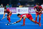 BHUBANESWAR (INDIA) - Alexander Hendickx (Belgie) scoort tijdens Belgie-Pakistan bij het WK Hockey heren.  op de achtergrond Thomas Briels (Belgie) . COPYRIGHTKOEN SUYK