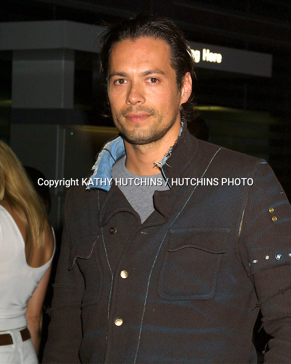 """©2003 KATHY HUTCHINS/ HUTCHINS PHOTO AGENCY.PREMIERE OF """"SHATTERED GLASS"""".ARC LIGHT THEATERS.HOLLYWOOD,  CA.OCTOBER 19, 2003..DANNY QUINN"""
