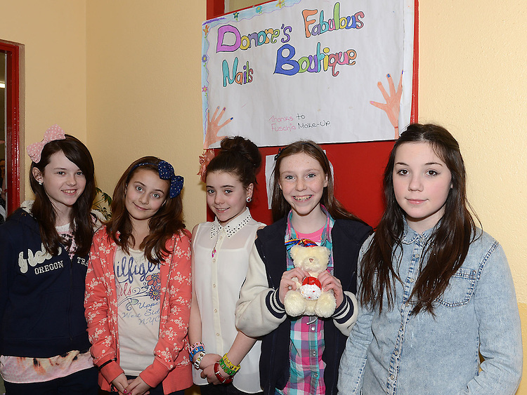 Niamh Daly, Aoife Sheerin, Ellen Taaffe, Bronagh Maher and Alanah Murphy pictured at Donore National school fundraiser in aid of the new school extention. Photo:Colin Bell/pressphotos.ie