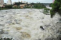 PIRACICABA, SP, 12.03.2014 - RIO PIRACICABA / NORMALIZAÇÃO - A maior seca dos últimos 97 anos atingiu a região de Piracicaba, no interior Paulista. O rio Piracicaba, conhecido por suas cheias, está voltando atingir sua normalidade, apôs atingir o nível abaixo do normal em imagem registrada nesta quarta-feira, 12. (Foto: Mauricio Bento / Brazil Photo Press).