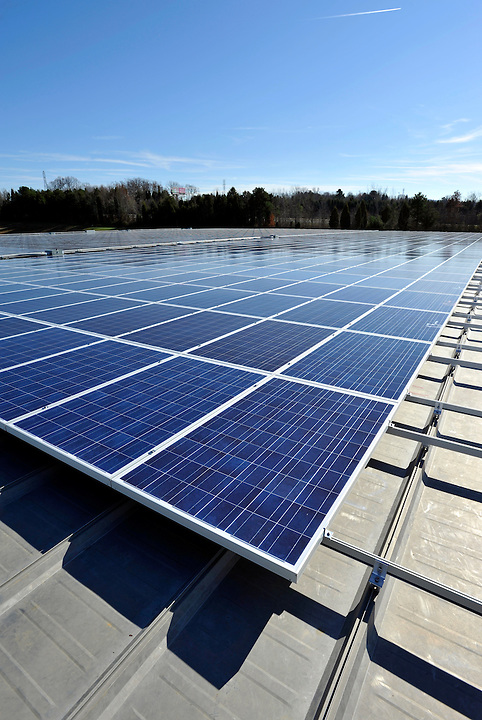 Sunenergy1 is a full service solar installation company based in Mooresville, North Carolina.  These images showcase the company and several rooftop solar installations for commercial clients.