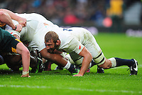 Chris Robshaw of England in action at a scrum. Old Mutual Wealth Series International match between England and South Africa on November 12, 2016 at Twickenham Stadium in London, England. Photo by: Patrick Khachfe / Onside Images