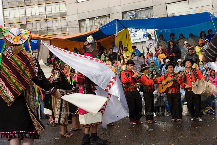 15.02.2010 La Paz (Bolivia)<br /> <br /> Parade in the streets during the carnival.<br /> <br /> Défilé dans les rues pendant le carnaval.