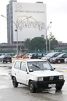 POMIGLIAND'ARCO ( NAPOLI) STABILIMENTO GIANBATTISTA VICO PRESENTAZIONE DELLA LINEA DI PRODUZIONE DELLA NUOVA FIAT PANDA NELLA FOTOUNA VECCHIA FIAT PANDA FOTO CIRO DE LUCA
