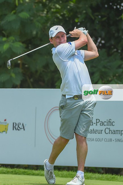 Matthew McLEAN (NZL) watches his tee shot on 5 during Rd 2 of the Asia-Pacific Amateur Championship, Sentosa Golf Club, Singapore. 10/5/2018.<br /> Picture: Golffile | Ken Murray<br /> <br /> <br /> All photo usage must carry mandatory copyright credit (© Golffile | Ken Murray)