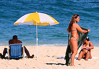 RIO DE JANEIRO, RJ, 29 DE JUNHO DE 2013 -CLIMA TEMPO RIO DE JANEIO- Movimentação na praia de Ipanema, na tarde deste sabado, 29 de junho, na zona sul do Rio de Janeiro.FOTO:MARCELO FONSECA/BRAZIL PHOTO PRESS