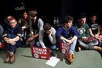 Bergamo: giovani del PD durante un incontro organizzato a Bergamo dal Partito Democratico