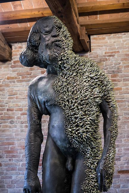 "Venezia - Punta della Dogana . La mostra di Damien Hirst: ""Tresaures from the Wreck of Unbelievable. ""Proteus""."
