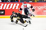 Stockholm 2014-09-11 Ishockey Hockeyallsvenskan AIK - S&ouml;dert&auml;lje SK :  <br /> AIK:s David Lilliestr&ouml;m Karlsson tacklas av S&ouml;dert&auml;ljes Robert Carlsson <br /> (Foto: Kenta J&ouml;nsson) Nyckelord:  AIK Gnaget Hockeyallsvenskan Allsvenskan Hovet Johanneshovs Isstadion S&ouml;dert&auml;lje SK SSK