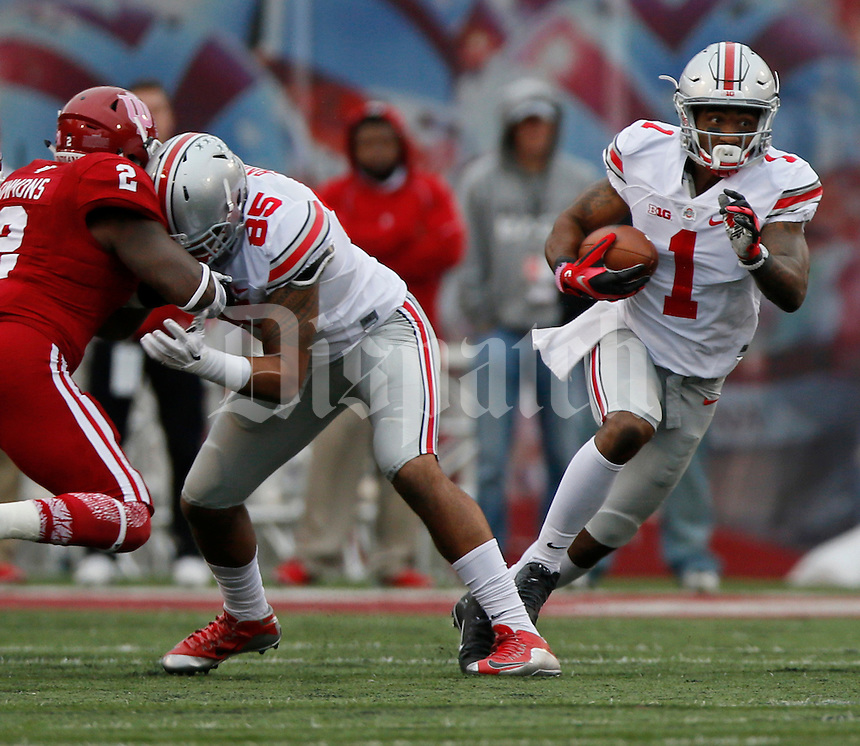 Ohio State Buckeyes wide receiver Braxton Miller (1) runs for yardage in there first half of the Ohio State Buckeyes against the Indiana Hoosiers at Memorial Stadium in Bloomington Indiana Oct. 3, 2015.(Dispatch photo by Eric Albrecht)