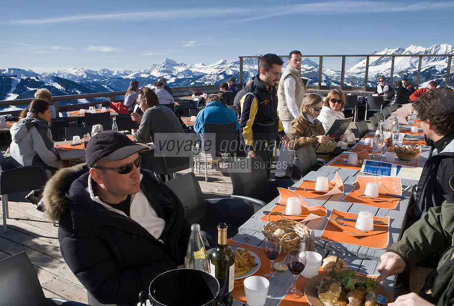 Europe/France/Rhone-Alpes/74/Haute-Savoie/Megève:Alexandre Faix à la terrasse du  Restaurant d'Altitude: L' Idéal au sommet du Mont d'Arbois [Non destiné à un usage publicitaire - Not intended for an advertising use]