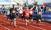Nederland  Amsterdam  2016 . De Marathon van Amsterdam. Op weg naar de Finish.  Foto Berlinda van Dam / Hollandse Hooogte.