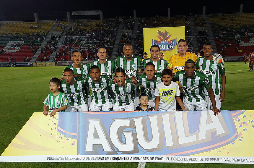 IBAGU&Eacute; -COLOMBIA, 16-02-2016. Jugadores del Atletico Nacional posan para una foto previo al encuentro con Depoertes Tolima por la fecha 4 de la Liga Aguila I 2016 jugado en el estadio Manuel Murillo Toro de la ciudad de Ibagu&eacute;./ Players of Atletico Nacional pose to photo prior the match against Deportes Tolima for the date 4 of the Aguila League I 2016 played at Manuel Murillo Toro stadium in Ibague city. Photo: VizzorImage / Juan Carlos Escobar / Str<br /> NOTA: M&aacute;xima resoluci&oacute;n posible