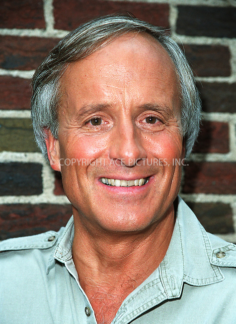 "Popular animal trainer JACK HANNA, who also has his own TV show, ""Jack Hanna's Animal Adventures,"" poses as he arrives at Ed Sullivan Theatre to make an appearance on the ""Late Show With David Letterman."" New York, June 13, 2002. Please byline: Alecsey Boldeskul/NY Photo Press.   ..*PAY-PER-USE*      ....NY Photo Press:  ..phone (646) 267-6913;   ..e-mail: info@nyphotopress.com"