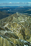 AK: Alaska Denali National Park, Fly In Aerials near Mt. McKinley .Photo Copyright: Lee Foster, lee@fostertravel.com, www.fostertravel.com, (510) 549-2202.Image: akdena208