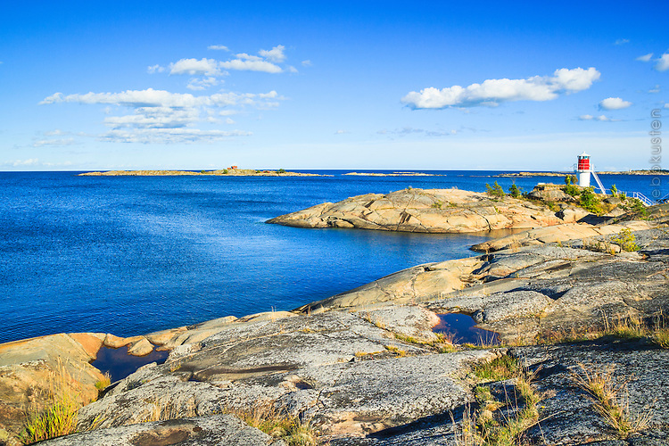 Fyr vid Simpnäs i Roslagen Stockholms skärgård. / Stockholms archipelago Sweden.