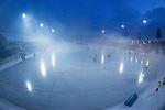 Bollnäs 2013-02-17 Bandy SM-kvartsfinal , Bollnäs GIF - Edsbyns IF :  .Genrell vy över Sävstaås IP bandyplan med rök strax efter intro.(Byline: Foto: Kenta Jönsson) Nyckelord:  utomhus exteriör exterior vy rök intro