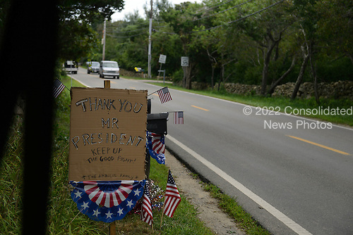 A sign along Harding Hill thanks President Barack Obama August 18, 2013 in West Tisbury, Massachusetts. The Obama's are spending their last day in the island of Martha's Vineyard before returning to DC.<br /> Credit: Darren McCollester / Pool via CNP