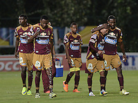 BOGOTÁ -COLOMBIA, 27-05-2015. Jugadores del Tolima abandonan el campo de juego durante  el medio tiempo del partido de ida de semifinal entre Deportes Tolima e Independiente Medellín de la Liga Águila I 2015 jugado en el estadio Metropolitano de Techo en Bogotá./ Players of Tolima leave the field at halftime of the semifinal first leg match between Deportes Tolima and Independiente Medellin of the Aguila League I 2015 played at Metropolitano de Techo stadium in Bogota city. Photo: VizzorImage/ Gabriel Aponte / Staff
