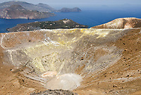 ITA, Italien, Sizilien, Liparischen Inseln, Insel Vulcano: austretende Schwefeldaempfe am Krater Gran Cratere, Blick hinueber zur Hauptinsel Lipari | ITA, Italy, Sicily, Aeolian Islands or Lipari Islands, Vulcano Island: erupting sulphur steam at crater Gran Cratere, view towards main island Lipari