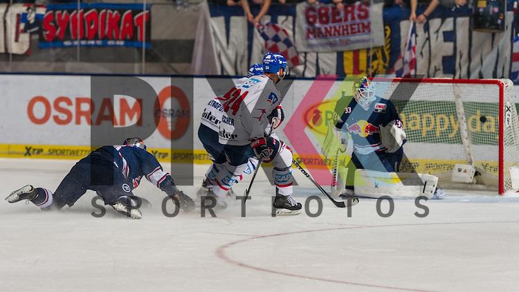 Eishockey, DEL, EHC Red Bull M&uuml;nchen - Adler Mannheim <br /> <br /> Im Bild Glen METROPOLIT (Adler Mannheim, 50) erzielt das Tor zum 1:2 f&uuml;r Mannheim  beim Spiel in der DEL EHC Red Bull Muenchen - Adler Mannheim.<br /> <br /> Foto &copy; PIX-Sportfotos *** Foto ist honorarpflichtig! *** Auf Anfrage in hoeherer Qualitaet/Aufloesung. Belegexemplar erbeten. Veroeffentlichung ausschliesslich fuer journalistisch-publizistische Zwecke. For editorial use only.