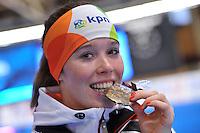 SCHAATSEN: BERLIJN: Sportforum, 08-12-2013, Essent ISU World Cup, podium 1000m Ladies Division B, Antoinette de Jong (NED), ©foto Martin de Jong