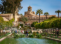 Spanien, Andalusien, Córdoba: Blick vom Alcázar de los Reyes Cristianos, Palast, Festung und Garten der Katholischen Koenige, ueber die Altstadt mit Mezquita, Torre del Alminar und Palacio Episcopal | Spain, Andalusia, Córdoba: view from Alcázar de los Reyes Cristianos, palace, fortress and garden of the catholic Kings, across old town with Mezquita, Torre del Alminar and Palacio Episcopal