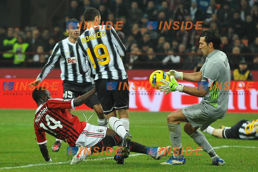 "Parata di Gianluigi Buffon su Sulley Muntari .Milano 25/2/2012 Stadio ""Giuseppe Meazza - San Siro"".Football Calcio 2011/2012 Serie A.Milan Vs Juventus.Foto Insidefoto Andrea Staccioli"