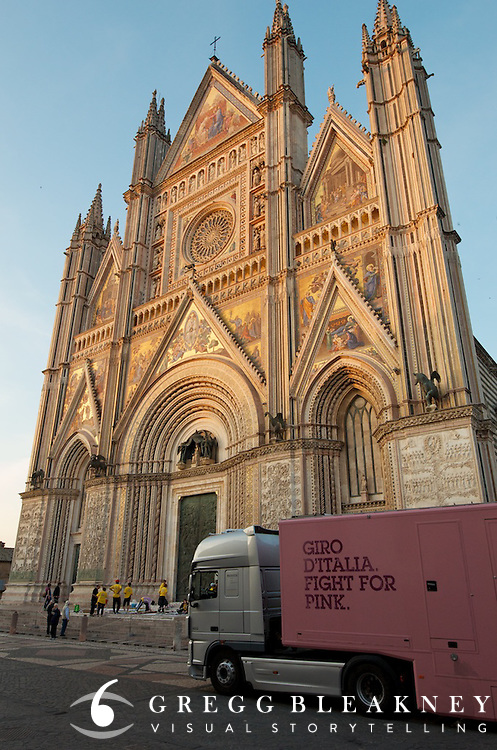 Stage 5 finish at the Duomo in Orvieto.v