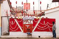 SÃO LUIZ DO PARAITINGA, SP, 27 DE MAIO DE 2012 - FESTA DO DIVINO - Cidade de São Luiz do Paraitinga está toda enfeitada na manhã deste domingo (27), para a Festa do Divino de São Luiz do Paraitinga, que acontece neste final de semana. FOTO: LEVI BIANCO - BRAZIL PHOTO PRESS