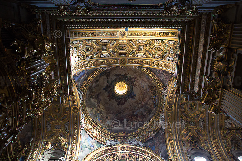 "Rome, 18/02/2020. Vising and documenting the Chiesa di Santa Maria in Vallicella (Chiesa Nuova, 1575 - 1614). The Church «[…] is the principal church of the Oratorians, a religious congregation of secular priests, founded by St Philip Neri in 1561 at a time in the 16th century when the Counter Reformation saw the emergence of a number of new religious organisations such as the Society of Jesus (Jesuits), the Theatines and the Barnabites». (1.). <br /> Chiesa Nuova includes Artworks by Pietro da Cortona, Cesare Nebbia, Giuseppe Cesari ""il Cavaliere D'Arpino"", Baccio Ciarpi, the pulpito in legno designed by Francesco Borromini, Durante Alberti, Giovanni Guerra, Pomarancio, Federico Barocci, Carlo Saraceni, Andrea Lilli, Domenico Cresti detto il Passignano, Scipione Pulzone, Stefano Longo, Giovanni Lanfranco, Angelo Caroselli, Caravaggio (Deposizione di Cristo nel Sepolcro, Copy by M. Koch, Original Artwork at the Musei Vaticani), Girolamo Muziano, Egidio della Riviera, Giovanni Maria Morandi, Giacomo della Porta, Aurelio Lomi, Gian Domenico Cerrini, Martino Longhi il Vecchio, Giovanni Antonio Paracca, Federico Barocci, Alessandro Salucci, Flaminio Vacca, Luca Berrettini, Cristoforo Roncalli detto il ""Pomarancio"", Guido Reni, Vincenzo Castellani, Giovan Francesco De Rossi, Luigi Scaramuccia, Carlo Maratta, Pietro Paolo Rubens.    <br /> This visit was possible thanks to the introduction and the company of Photographer Matteo Trevisan.<br /> <br /> Footnotes & Links:<br /> 1. (Wikipedia.org, ENG & ITA) https://en.wikipedia.org/wiki/Santa_Maria_in_Vallicella & https://it.wikipedia.org/wiki/Chiesa_Nuova_(Roma)<br /> Http://www.vallicella.org"