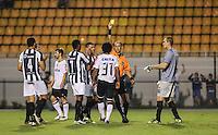 SAO PAULO, SP, 16 MARÇO 2013 - CAMP. PAULISTA - CORINTHIANS X U. BARBARENSE - Romarinho (31)  jogador do Corinthians recebe cartão amarelo durante partida contra o União Barbarense em partida da 12 rodada no Estadio Paulo Machado de Carvalho, o Pacaembu na noite deste sábado, 16. (FOTO: VANESSA CARCALHO / BRAZIL PHOTO PRESS).