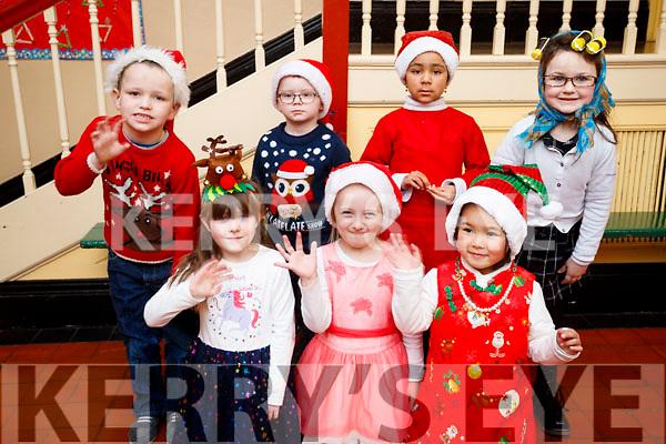 Presentation primary School play on Wednesday 13th December, Front Row: Aida Kennedy Long, Blanka Baran, Chelzy Vilaluz. Back Row L-R Mikey Mongans, Patrick Doherty, Louisa Okeorafor, Leah O Sullivan