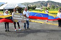 CUCUTA Y UREÑA- PUENTE INTERNACIONAL  FRANCISCO DE PAULA SANTANDER Y SIMÓN BOLÍVAR-COLOMBIA, 10-07- 2016Situación del puente esta mañana cuando el presidente de Venezuela Nicolas Maduro abrió la forntrera  con Colombia por una horas para que los venezolanos de la zona se abastecieran de mercados en Colombia . Photo:VizzorImage / Manuel Hernández / Contribuidor