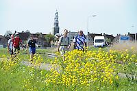 WANDELSPORT: SNEEK: 04-05-2016, Elfstedenwandeltocht traject Sloten- Workum, omgeving Hindeloopen, ©foto Martin de Jong