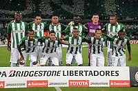MEDELLÍN -COLOMBIA-08-03-2016. Jugadores de Nacional posan para una foto previo al encuentro entre Atlético Nacional de Colombia y Peñarol de Uruguay por la fecha 3, G4, de la Copa Bridgestone Libertadores 2016 jugado en el estadio Atanasio Girardot de la ciudad de Medellín. / Players of Nacional pose toa photo prior the match between Atletico Nacional of Colombia and Peñarol of Uruguay for the date 3, G4, of the Copa Bridgestone Libertadores 2016 played at Atanasio Girardot stadium in Medellin city. Photo: VizzorImage/ León Monsalve /Str